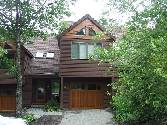 This ski-on/ski-off Ramshorn unit at Loon Mt. is listed at $625,000