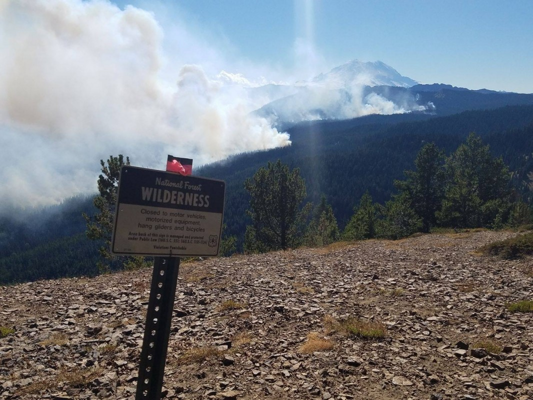 Forest fire goes over Pacific Crest Trail (Norse Peak Fire/Facebook)