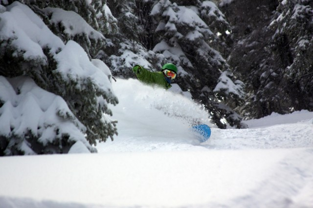 Scoring-deep-pow-in-the-San-Gabriel-Mountains