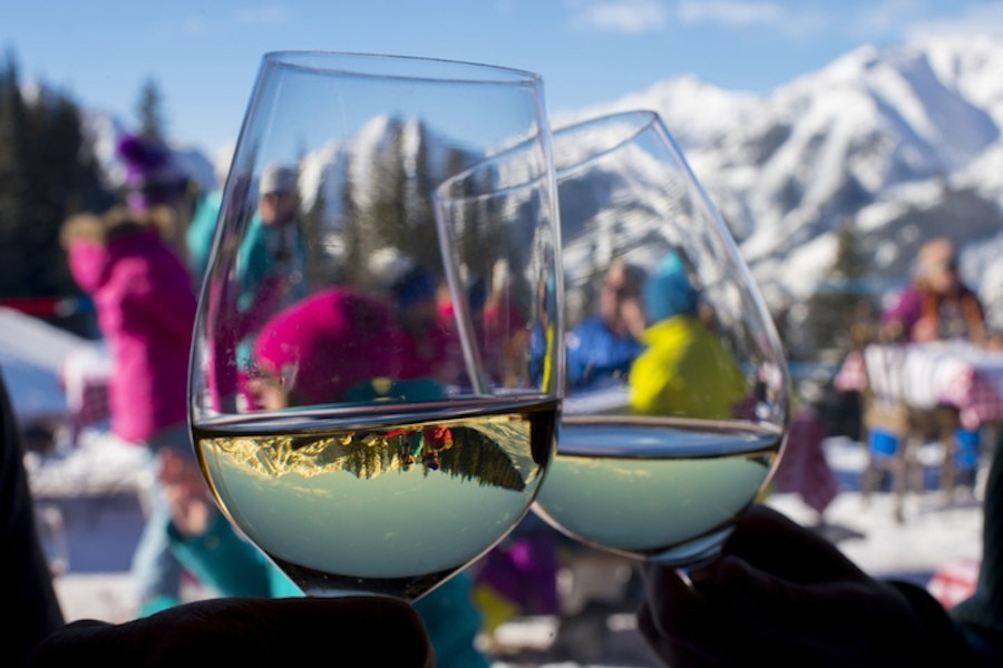 Drinking champagne at Aspen Highland's Cloud Nine is an après experience worthy of any Colorado skiing bucket list.