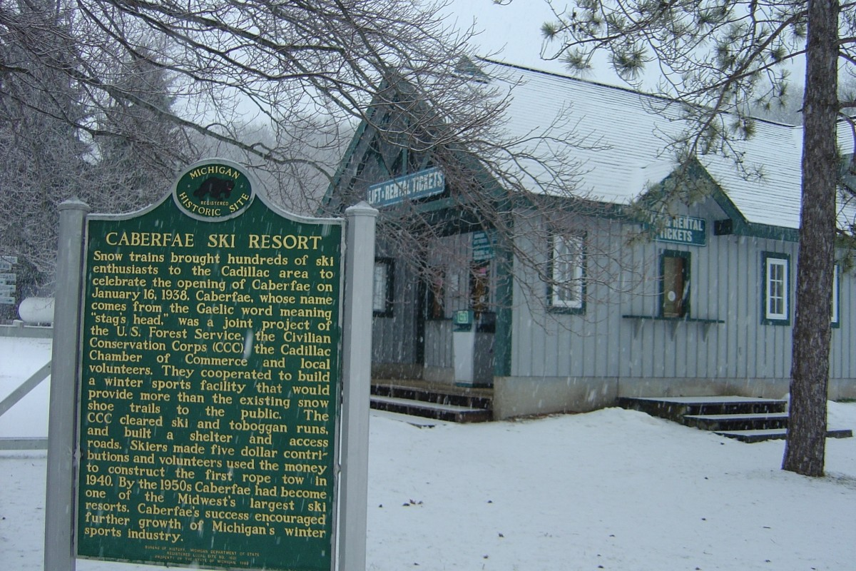 The historic Michigan state marker denoting Caberfae opened in 1938, the first ski area in the state. (Caberfae)