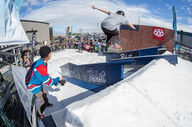 October Ski Shows Hit Toronto and Chicago