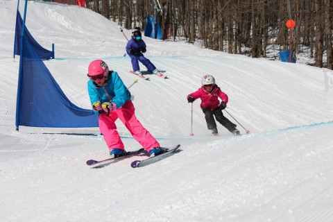 kids racing Holiday Valley