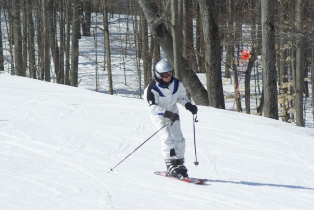 World's Oldest Skier Still Skiing In Midwest