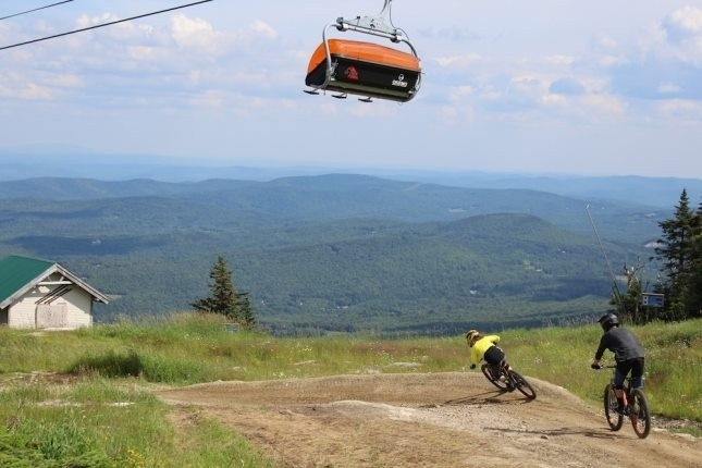 The Sunburst Six takes downhillers to the top of Okemo. (Okemo/Facebook)