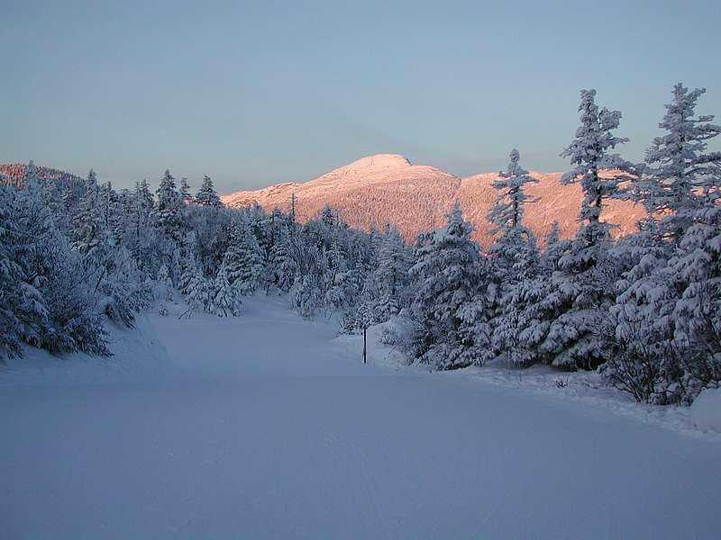 Sunrise-on-Mt-Mansfield-from-Sterling-Pond-Sunrise-Mountain-Guides
