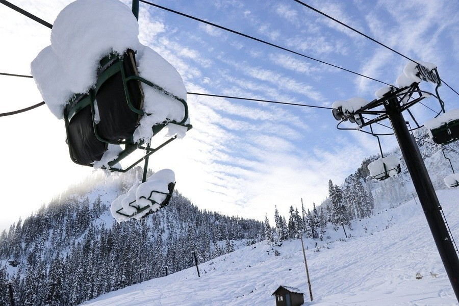 Bluebird days are expected across the West. Snoqualmie in Washington plans to open Dec. 10. (Twitter/SummitSnow411)