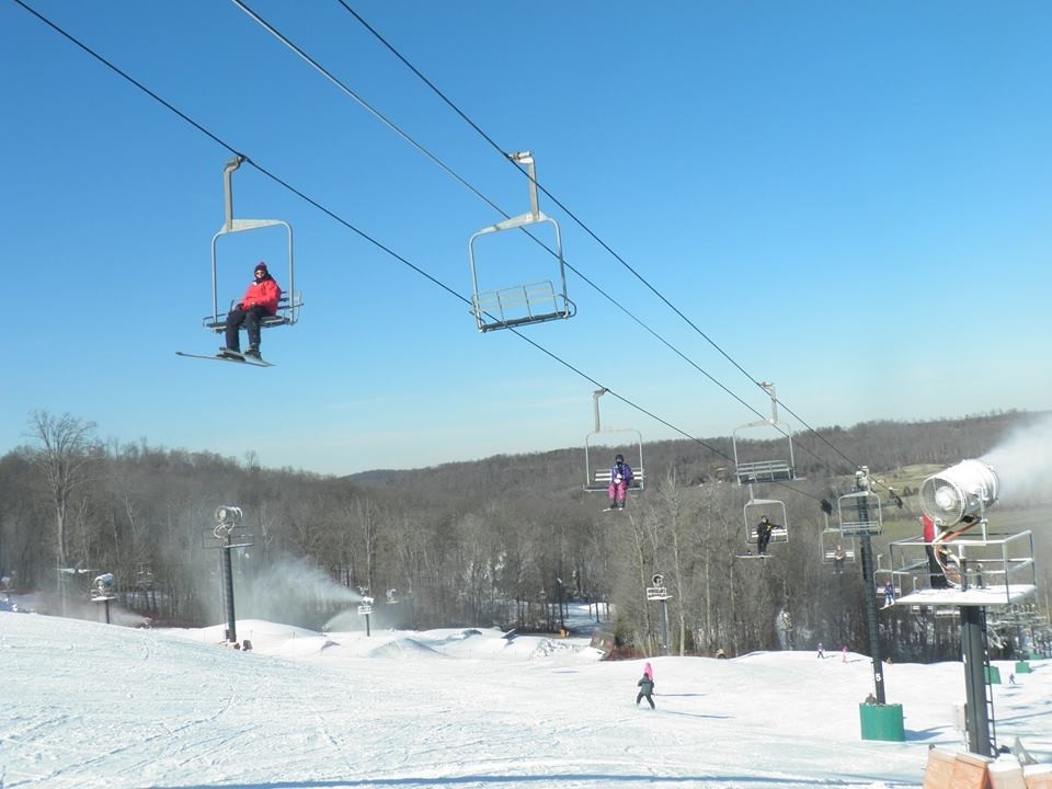 Paoli Peaks keeps southern Indiana skiers-and riders on the slopes. (Paoli Peaks/Facebook)