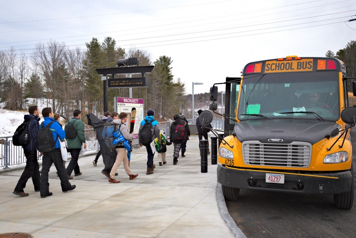 Ski train passengers board the shuttle to Wachusett. (Wachusett)