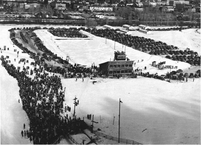 Crowd for Howelson Hill ski jumping meet. (Colorado Ski History.com)