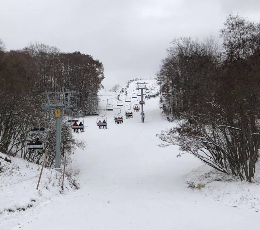 Caberfae Peaks third earliest opening ever on November 16, and lift is filled. (Caberfae Peaks/Facebook)