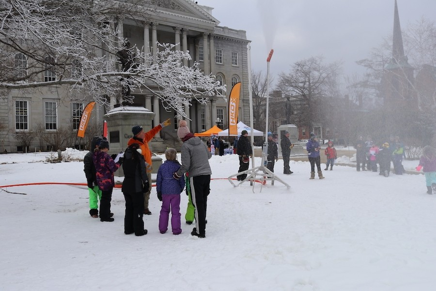 kids-at-State-House-learn-about-snowmaking