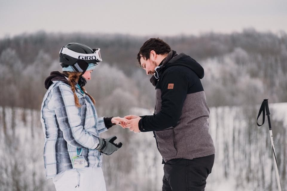 Crystal-Mountain-love-on-the-slopes-a-proposal-Facebook-Crystal-Mountain