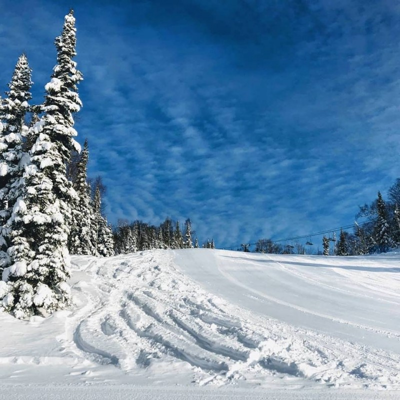 A bluebird day and powder tracks at Lutsen Mountains. (Facebook/Lutsen Mountains)