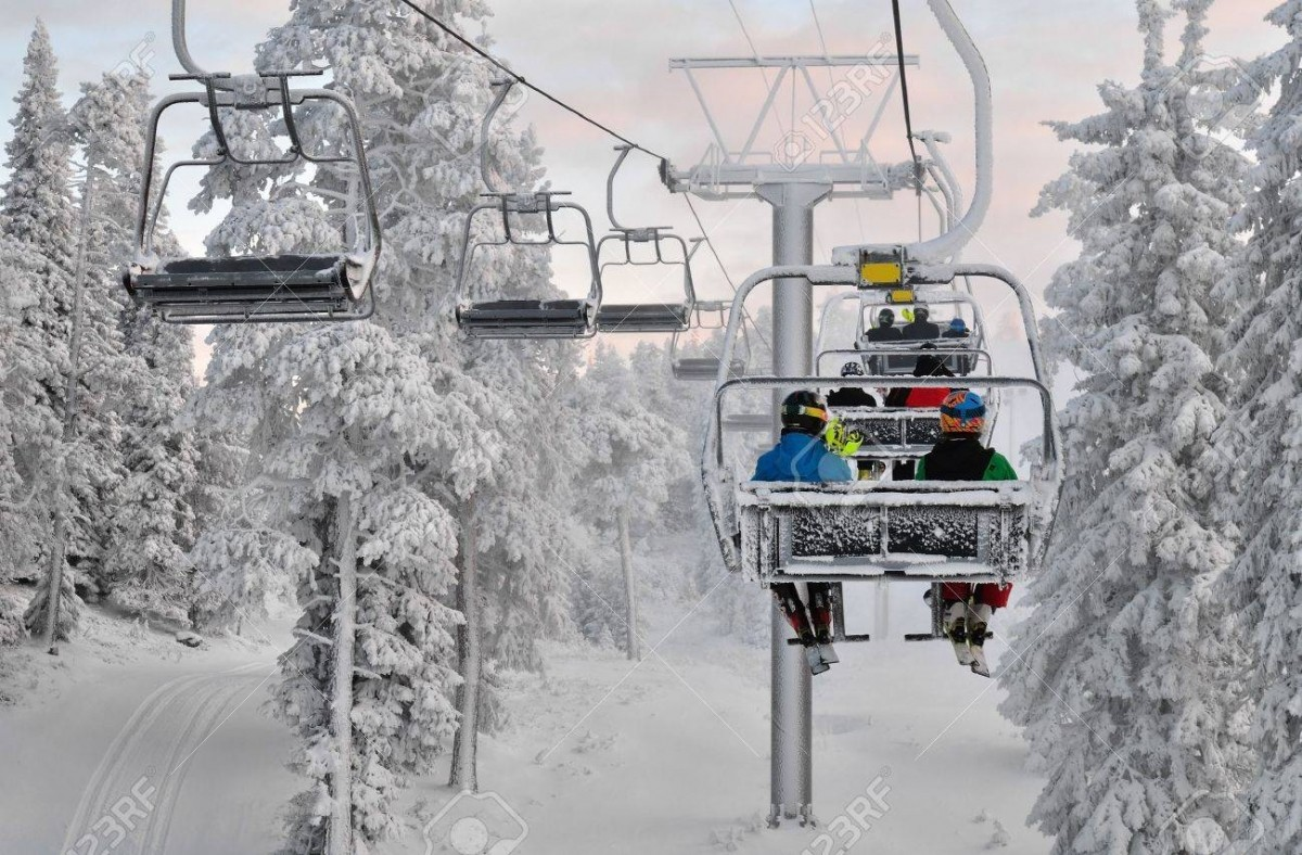 Skiers-on-a-charlift