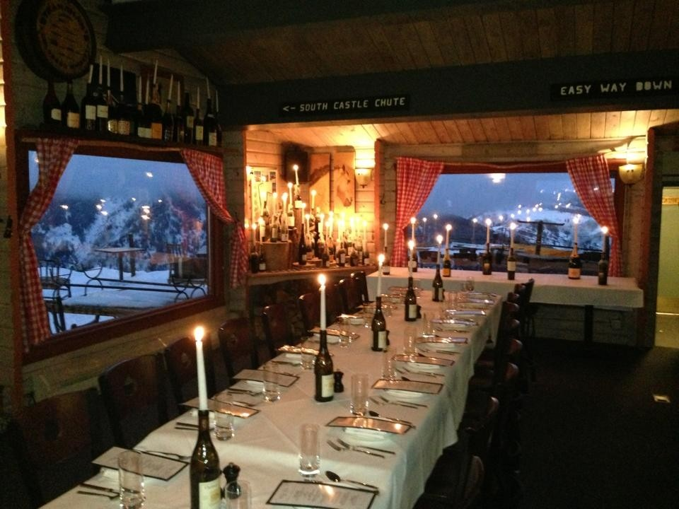 Dining tables all laid out for another romantic evening at Aspen Highlands. (Cloud Nine Alpine Bistro/Facebook)