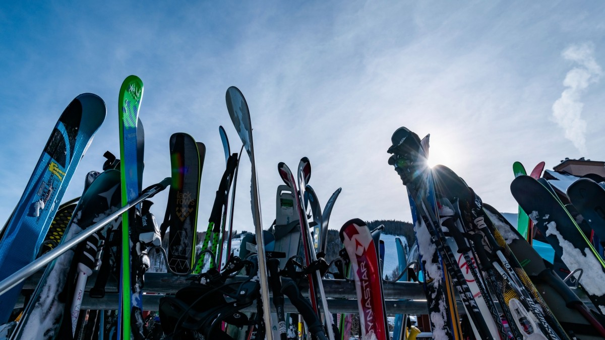 20191218-Colwell-CoSun-skiing-A8C3299
